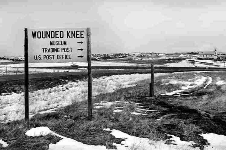 2b-entering-wounded-knee-wounded-knee-1973-058-edit-edit-edit_slide-9faf807e1f3e6c0533da1e5ca6e0efb6a5d0643e-s800-c15